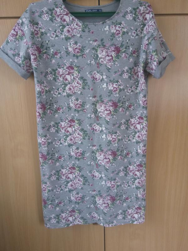 Платье с цветочным принтом,