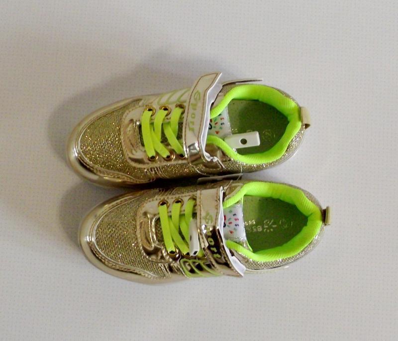 Кроссовки золотые светящиеся с usb зарядкой 32-35 - Фото 2