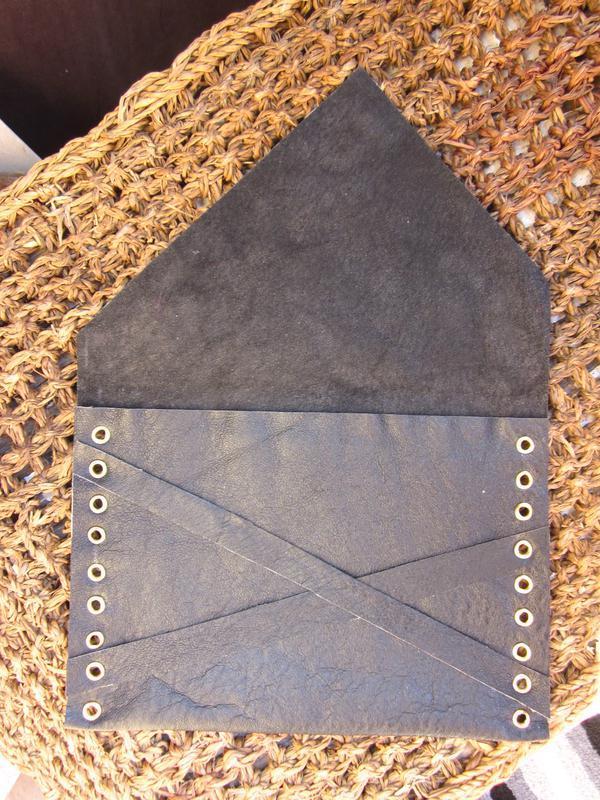 Клатч-конверт из натуральной кожи