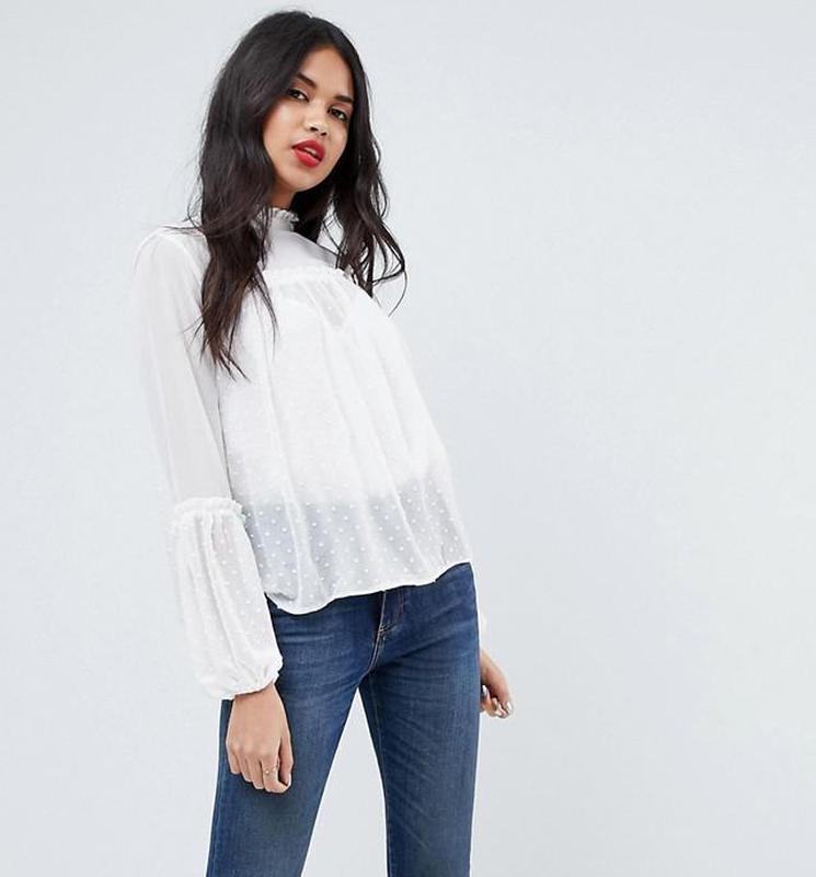 Asos блуза с вышивкой плюмети и рюшами
