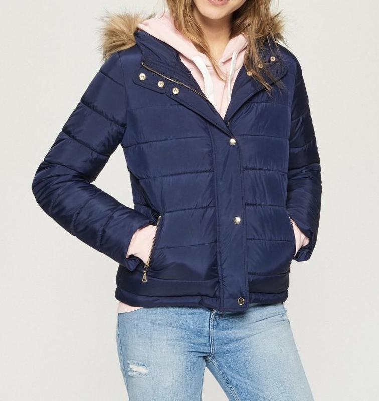Тёплая куртка с капюшоном от sinsay новая