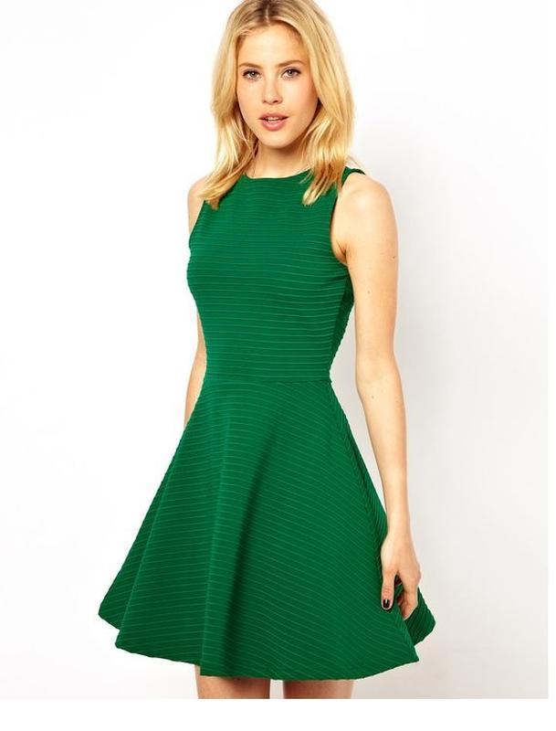 Платье мини 48 50 размер  на новый год хаки зеленое короткое н...