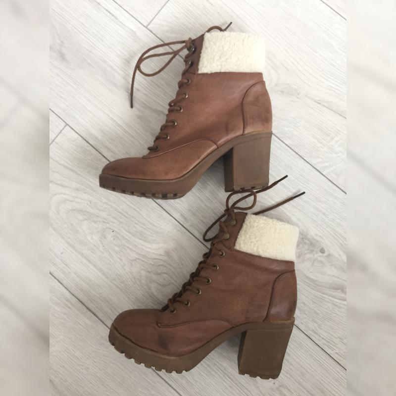 Ботинки, ботинки на удобном каблуке.