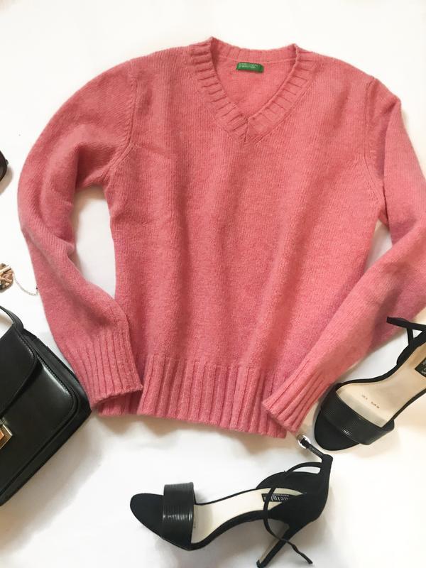 Красивый свитер benetton р. м