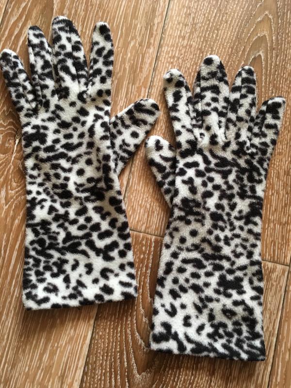 Перчатки далматинец