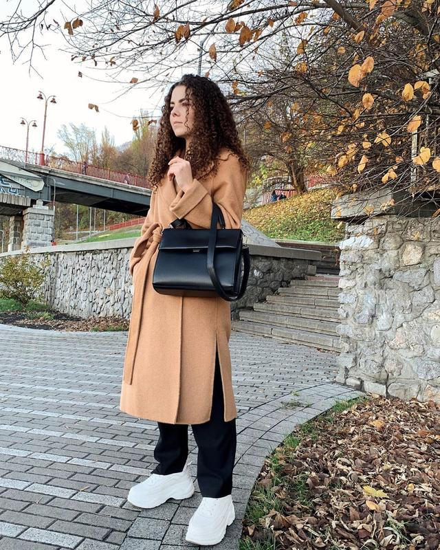 Черная классическая сумка кросс боди