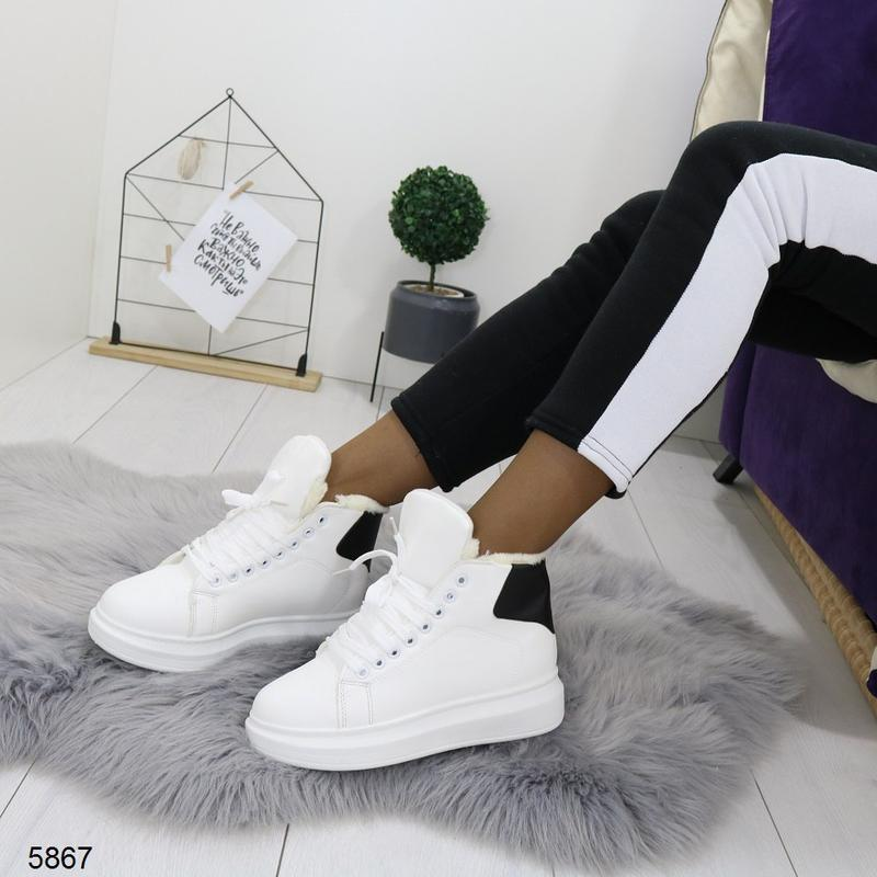 Зимние высокие кроссовки белого цвета,белые кроссовки с чёрной...