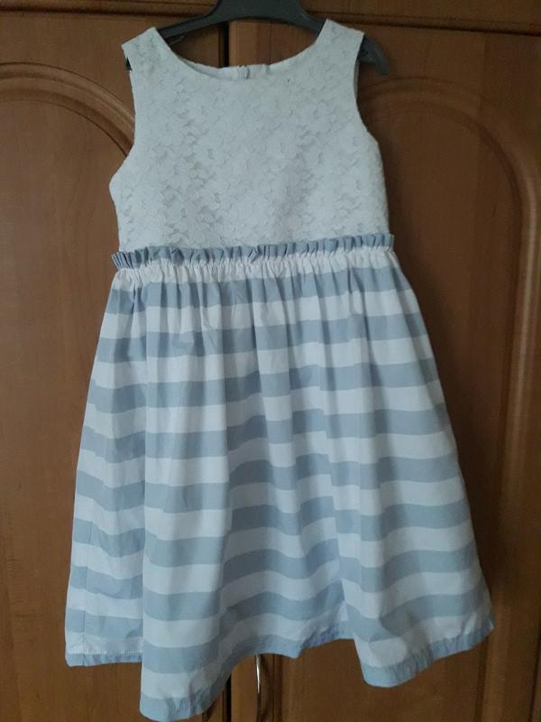 Платье нарядное oodji на 5-6 лет