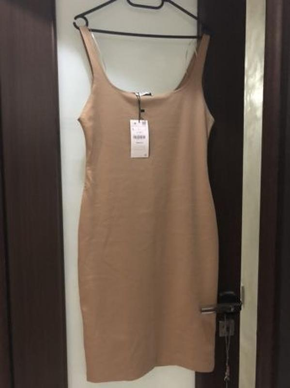 Облегающие платье zara по фигуре