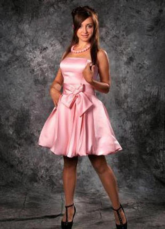Коктейльное выпускное вечернее платье бандо s,40-42