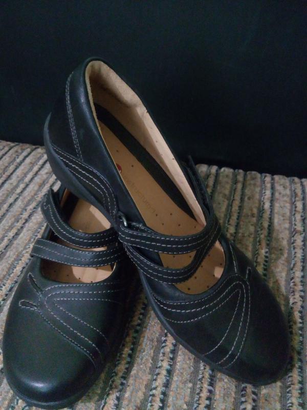 Черные кожаные туфли на низком ходу каблуке платформе 36-36,5