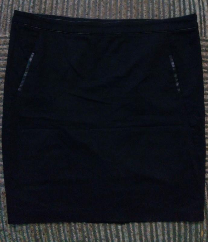 Классическая черная юбка карандаш большого размера