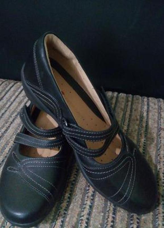 Черные кожаные туфли на низком ходу каблуке платформе 36 р.