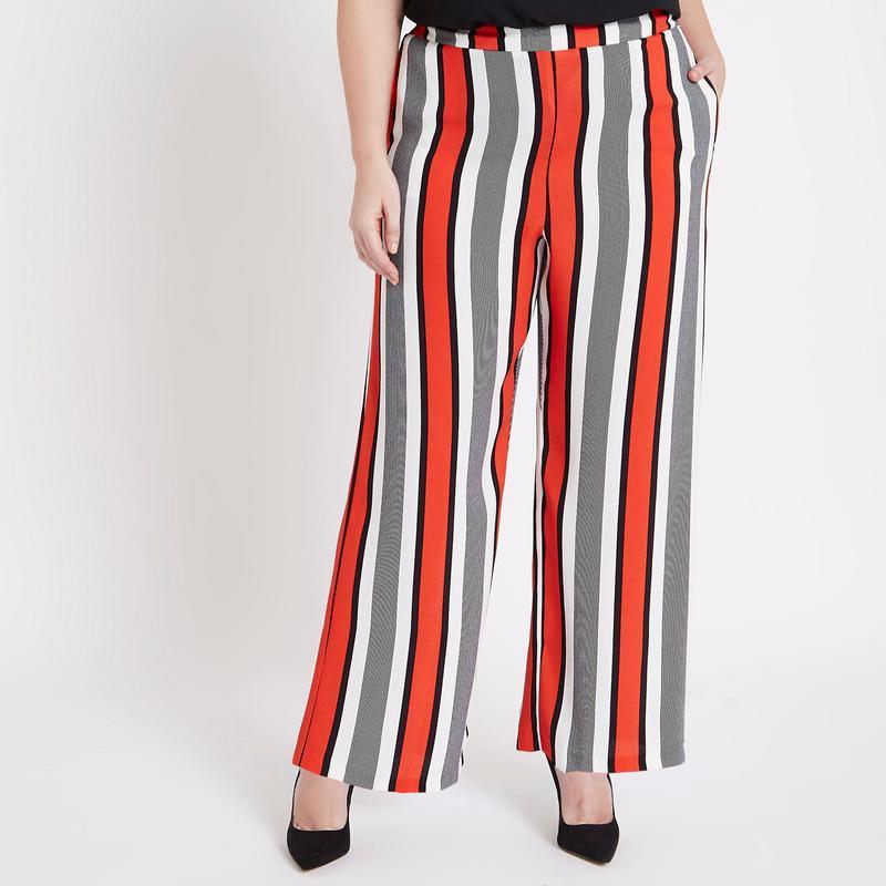 Стильные брюки кюлоты в полоску большого размера