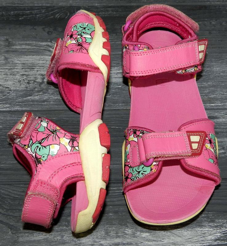 Clarks ! яркие, кожаные, удобные босоножки-сандалии
