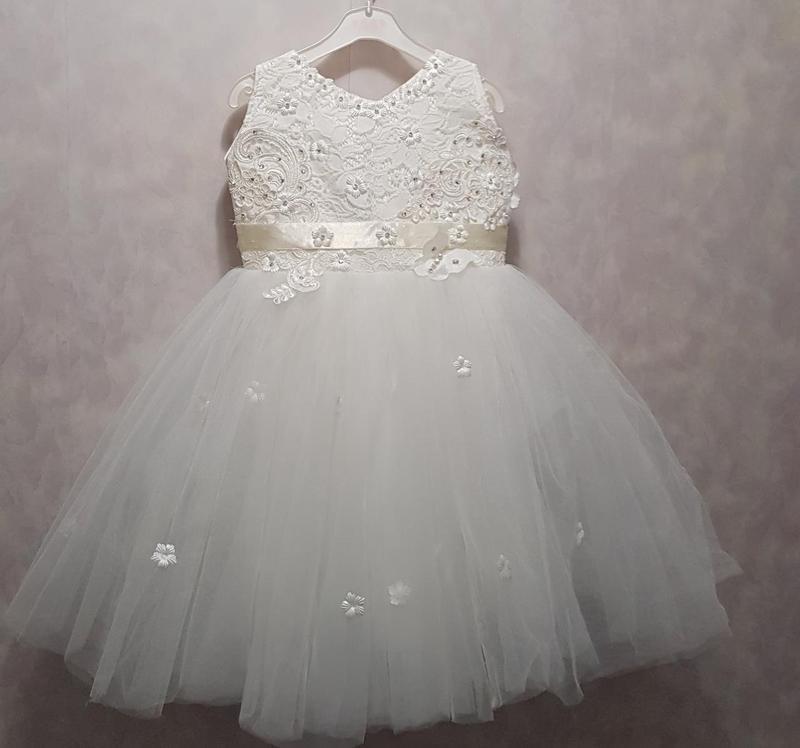 Красивое платье для утренника для девочки 3-5 лет