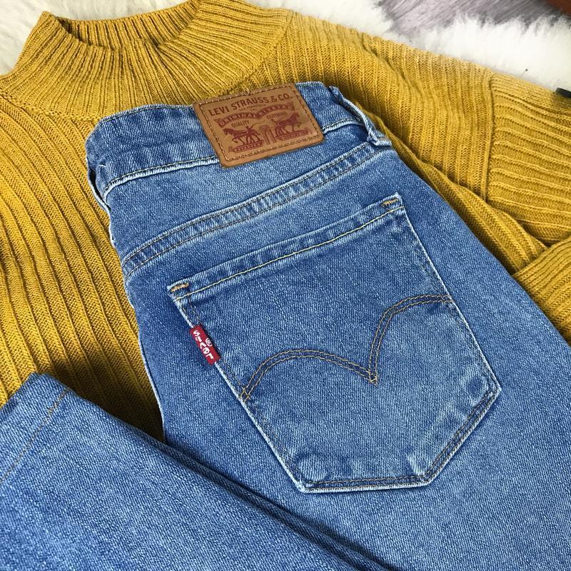 Актуальные джинсы прямого кроя levi's 714