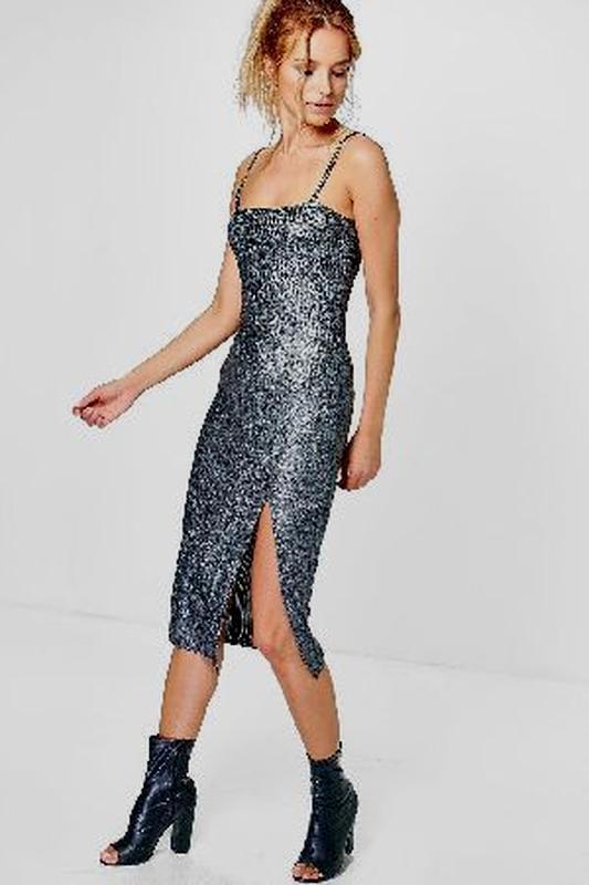 Нарядное вечернее платье металлик с разрезом
