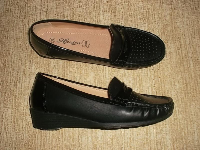 Комфортные туфли на невысокой танкетке кожаная стелька
