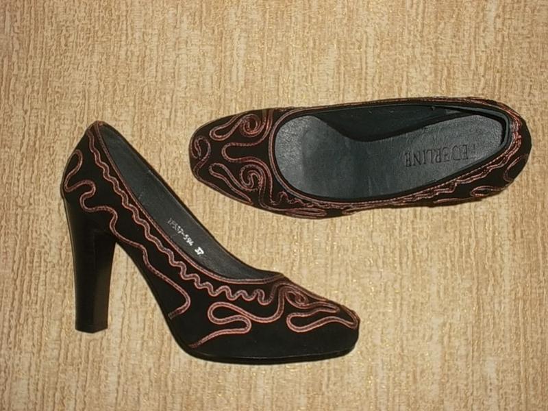 Кожаные туфли на каблуке натуральная замша