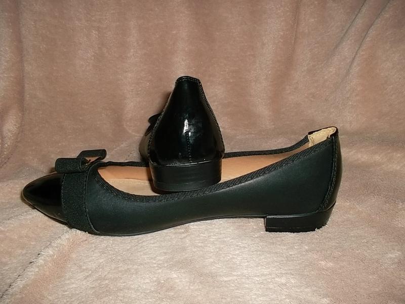 Туфли на низком ходу с лаковым носочном кожаная стелька - Фото 2