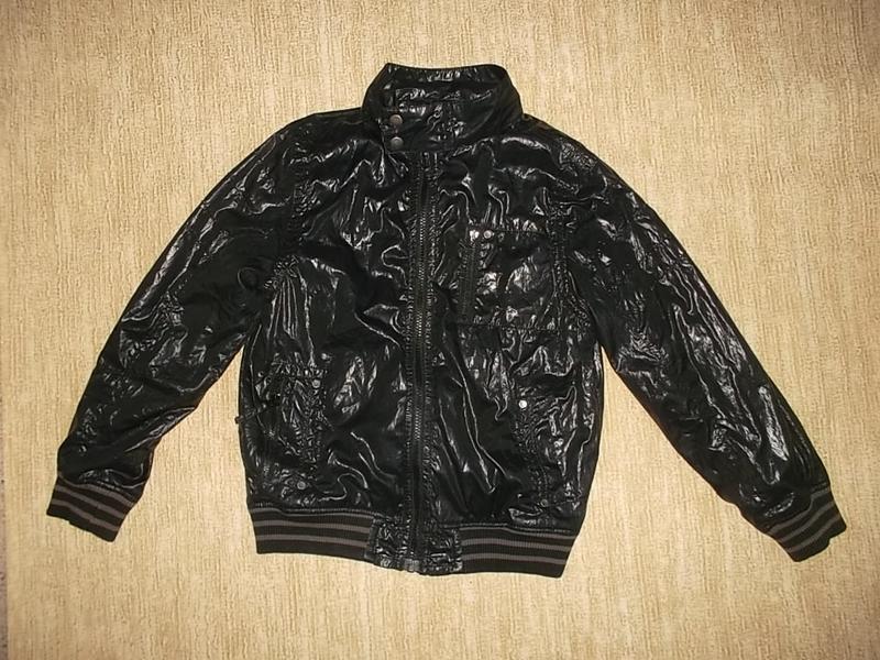 Крутая куртка ветровка на рост 134 см.