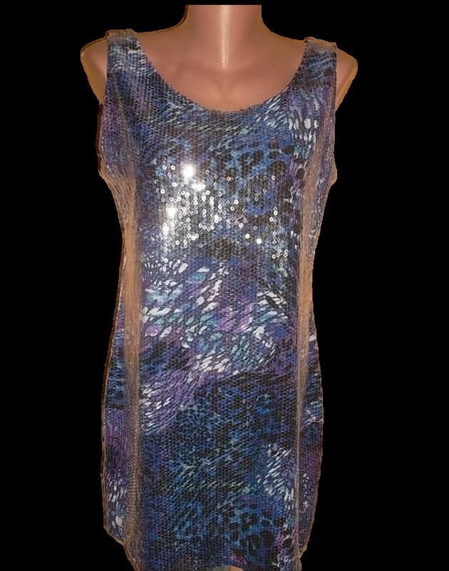 Мини платье в паетках пог=46 см.