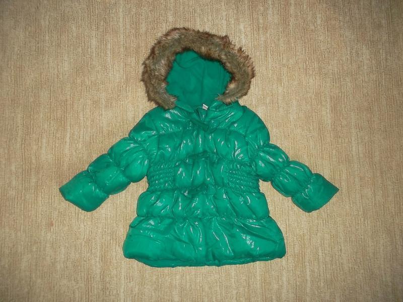 Яркая красивенная курточка с капюшоном рр. 68 идеальное состояние