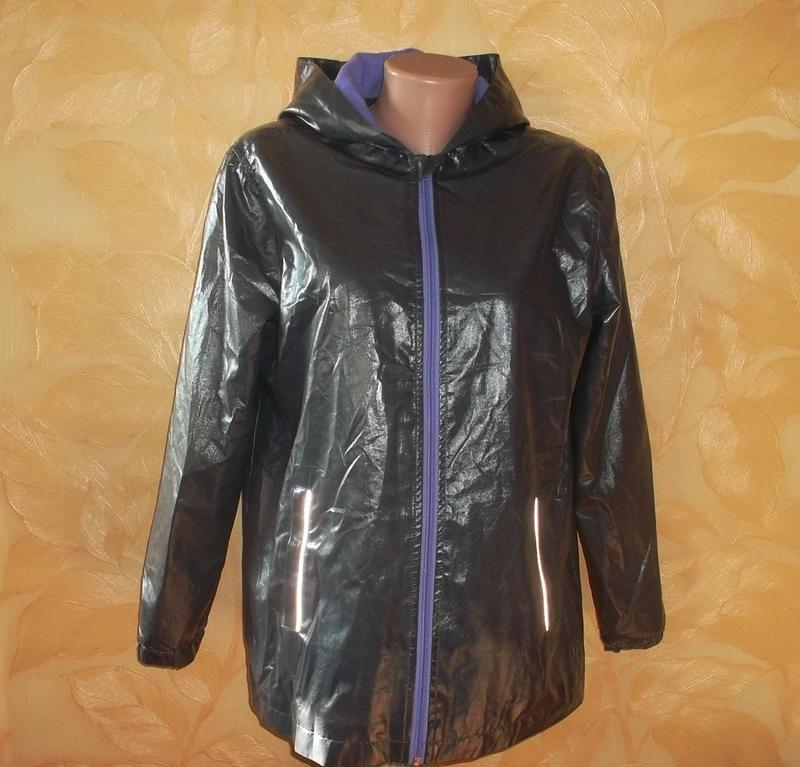 Куртка с капюшоном дождевик на флисе рр. 164 отличное состояние.