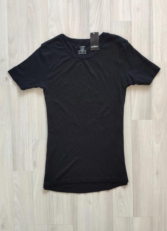 Чорна футболка черная футболка
