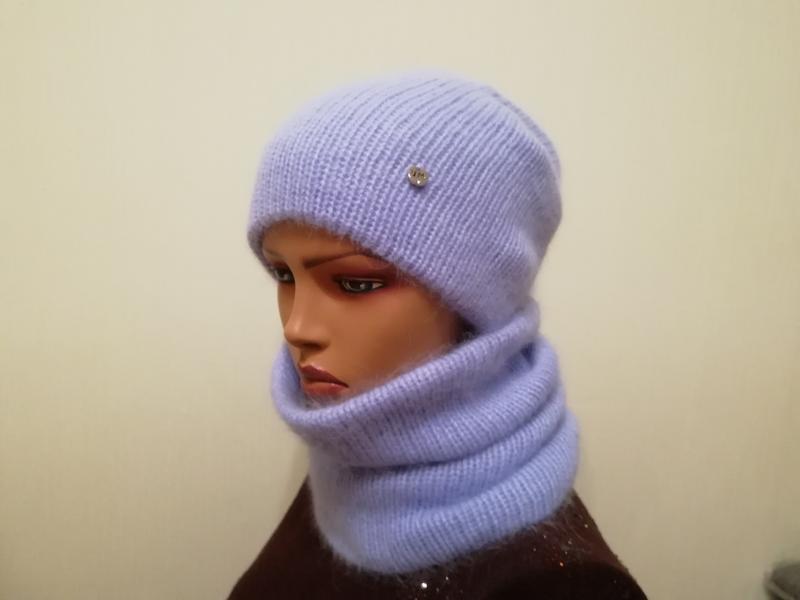 Красивый лиловый комплект шапка и бафф лиловый