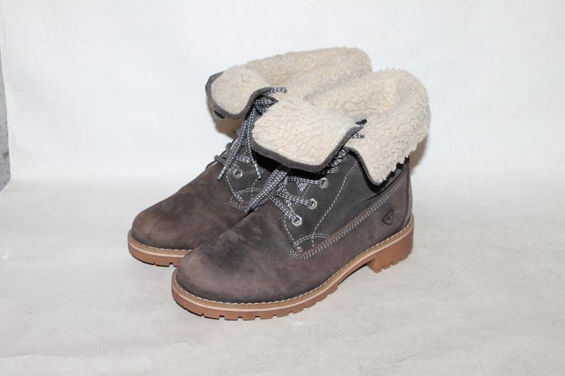 Кожаные ботинки на меху от tamaris 36 размер в стиле timberland