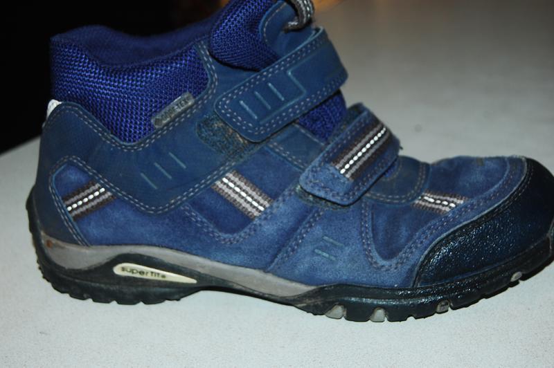 Деми ботинки superfit gore tex  35 размер