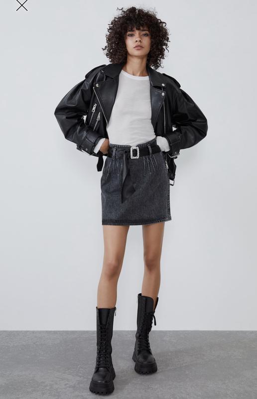 Крутая укорочённая куртка косуха с рукавами баллонами