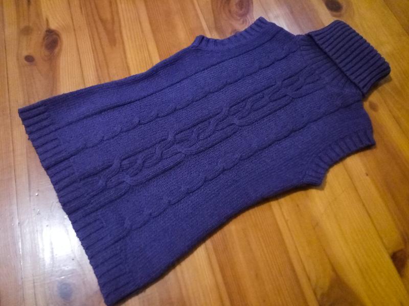 Теплый вязаный свитер безрукавка под горло, жилетка