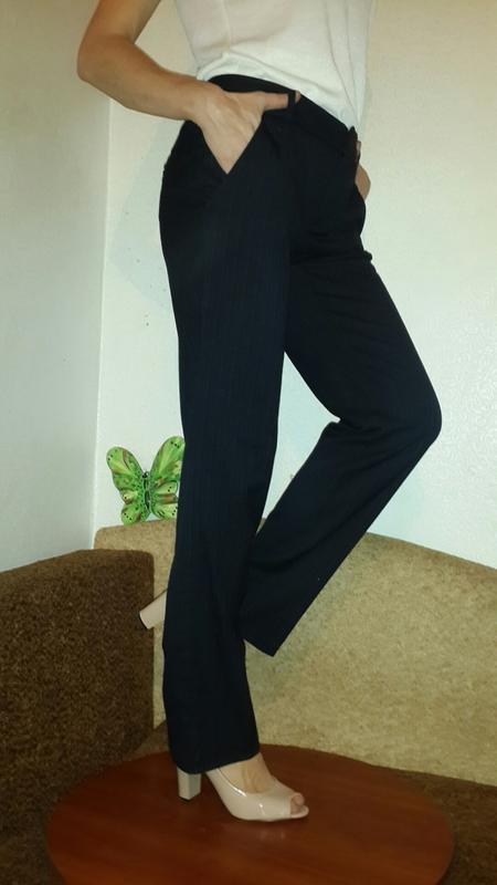 Стильные брюки прямого покроя