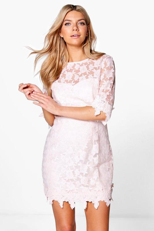Новое пудровое нарядное платье с кружевом размера s-m