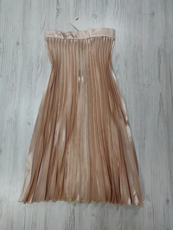 Плесированая бежевая миди юбка