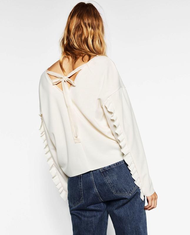 Zara блуза с рюшами на рукавах и бантом