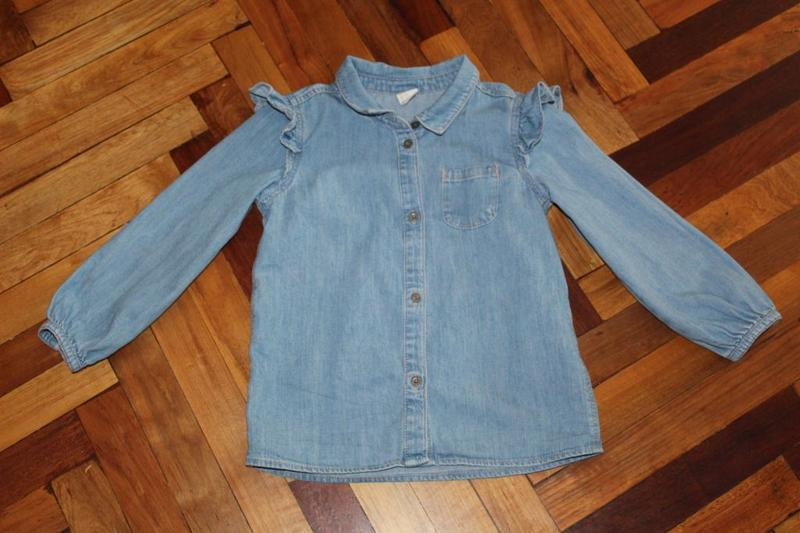Джинсовая блузка h&m на девочку 3-4 года в идеальном состоянии