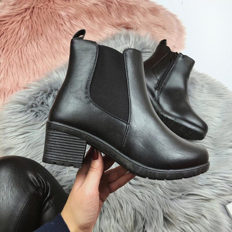 Новые женские черные зимние ботинки