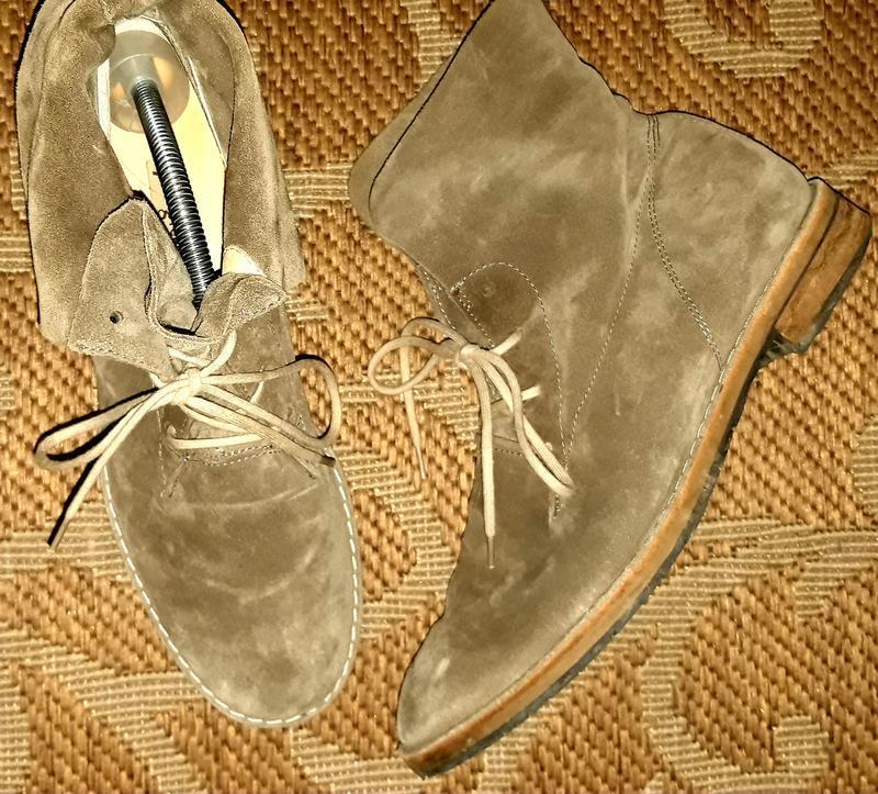 Круті замшеві черевики