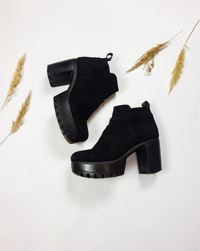 Черные ботинки - ботильоны из натуральной замши на тракторной ... - Фото 2