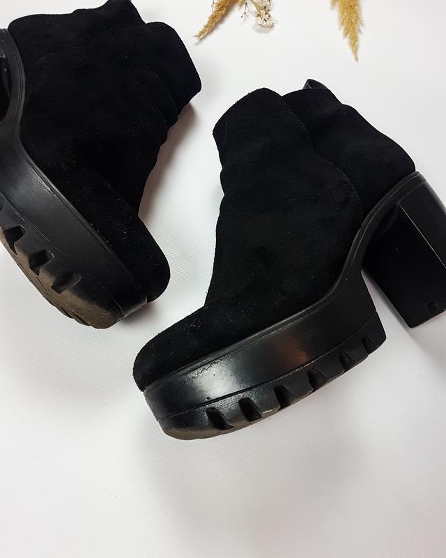 Черные ботинки - ботильоны из натуральной замши на тракторной ... - Фото 4