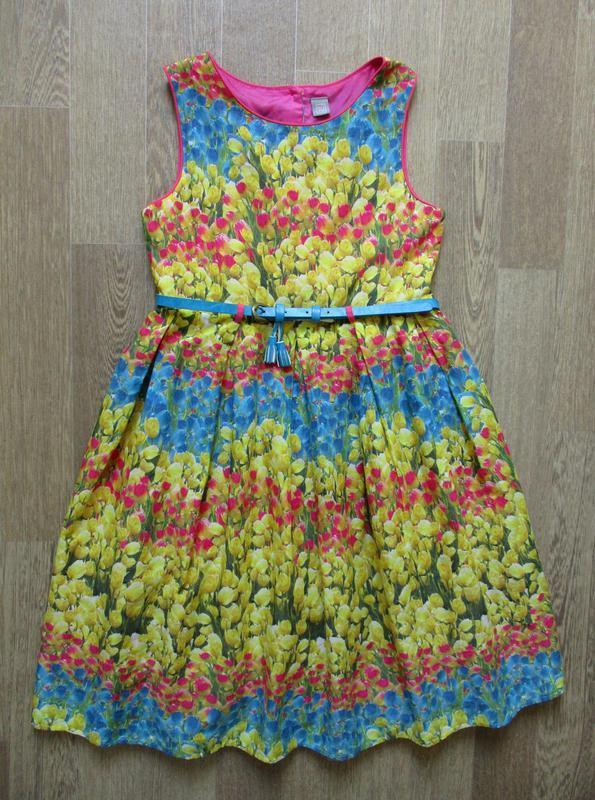 Пышное нарядное цветастое платье