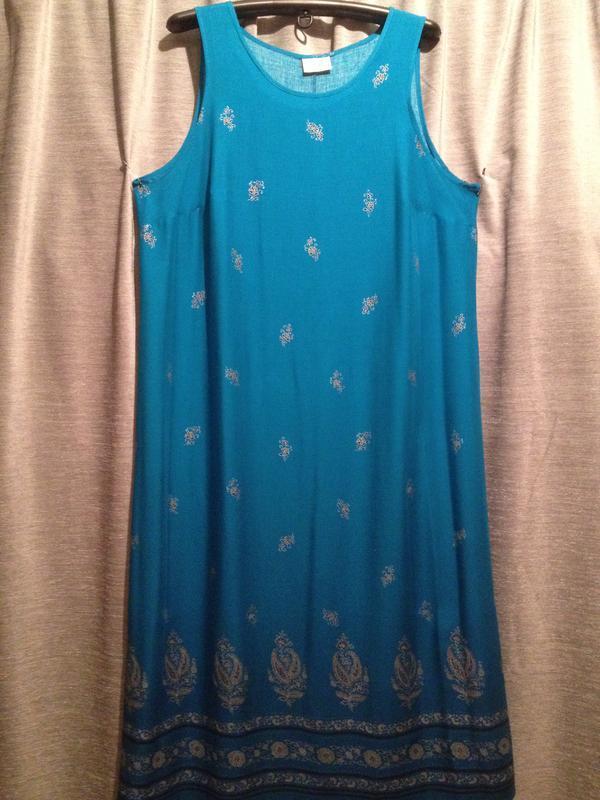 Платье в пол с цветочным принтом большого размера.211
