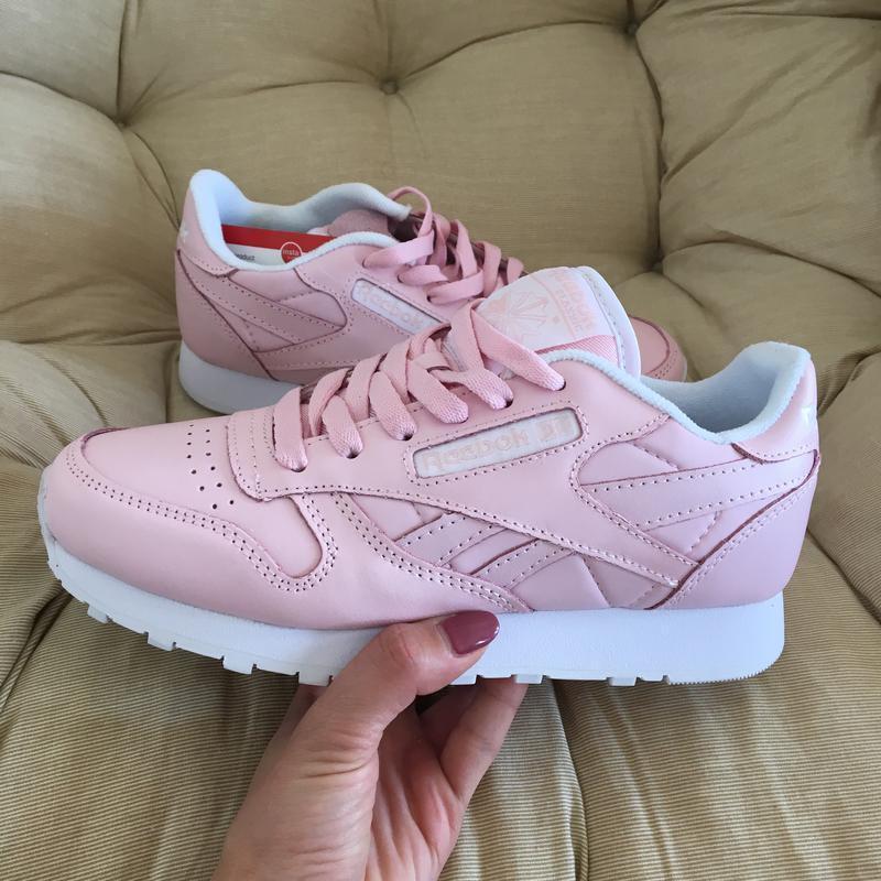 Кроссовки нежно розовые кожа в стиле reebok classic