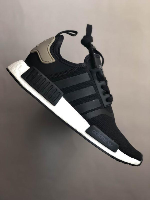 - 50 % кроссовки adidas nmd r1 оригинал 39-40 распаровка
