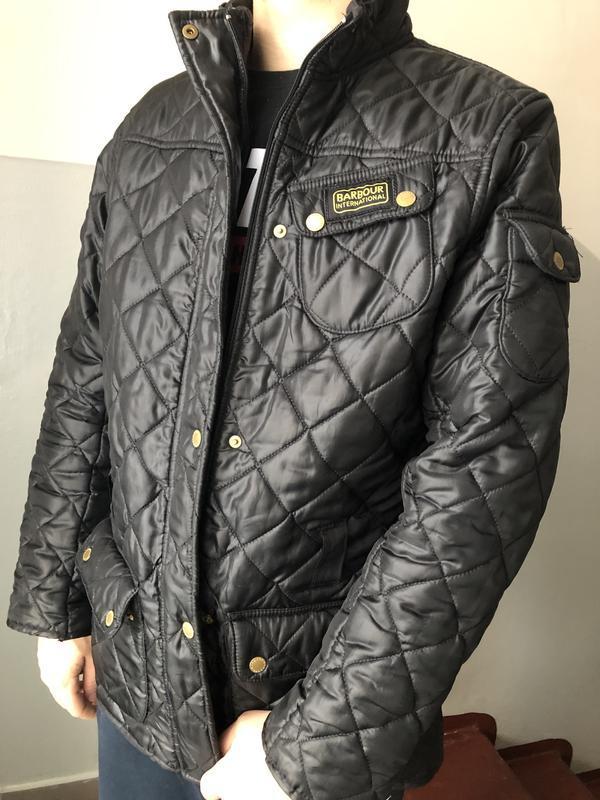 Мужская куртка стеганка barbour оригинал. размер м. срочно!