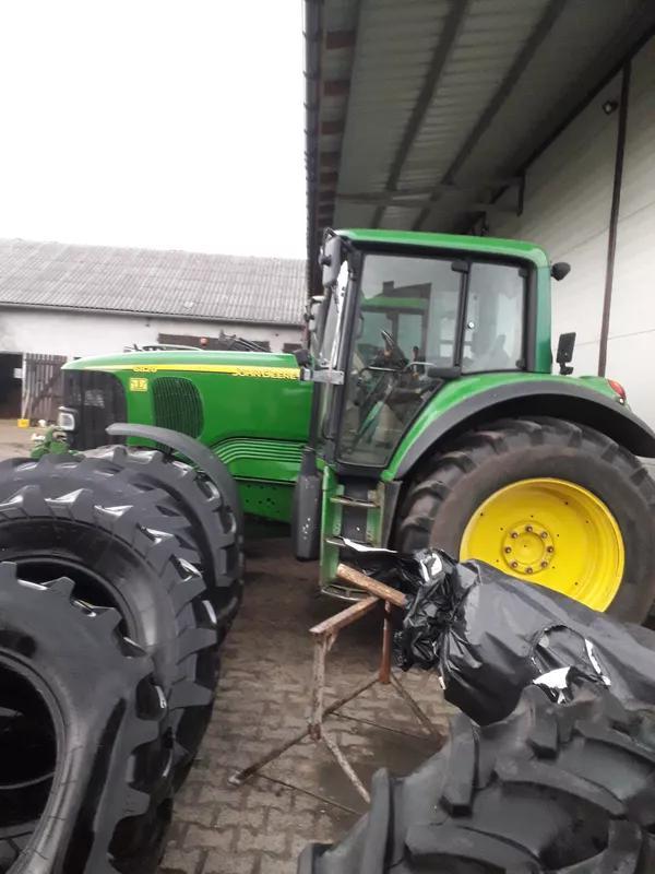 Трактор John Deere 6820